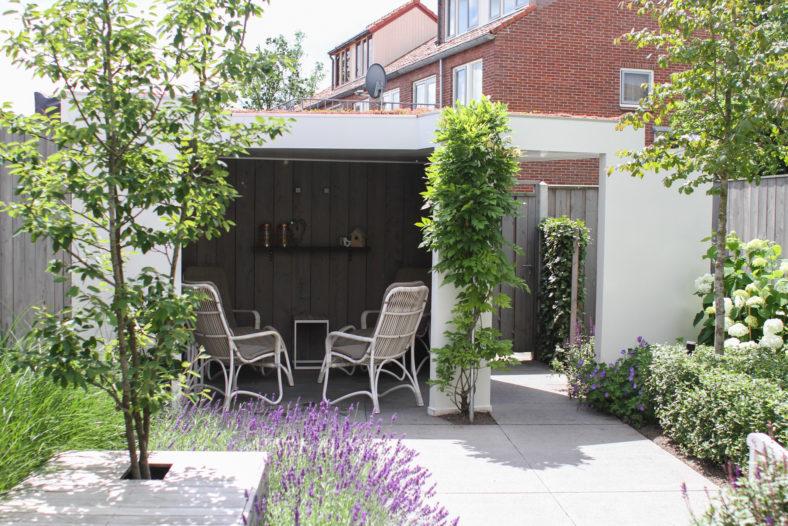 Moderne voor en achtertuin in hartje IJsselmuiden - Outlook Groenprojecten